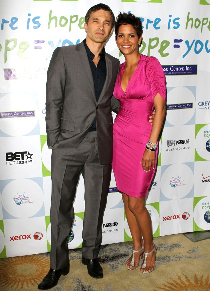 martinez-berry-halle-berry-honored-at-silver-rose-awards-01
